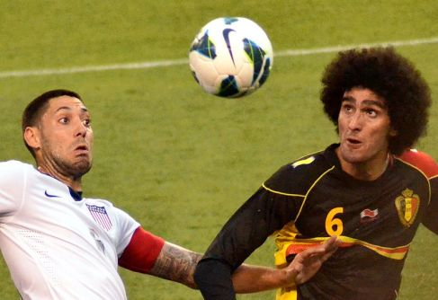 Clint Dempsey and Fellaini by Erik Drost, Flickr 2013-05-29