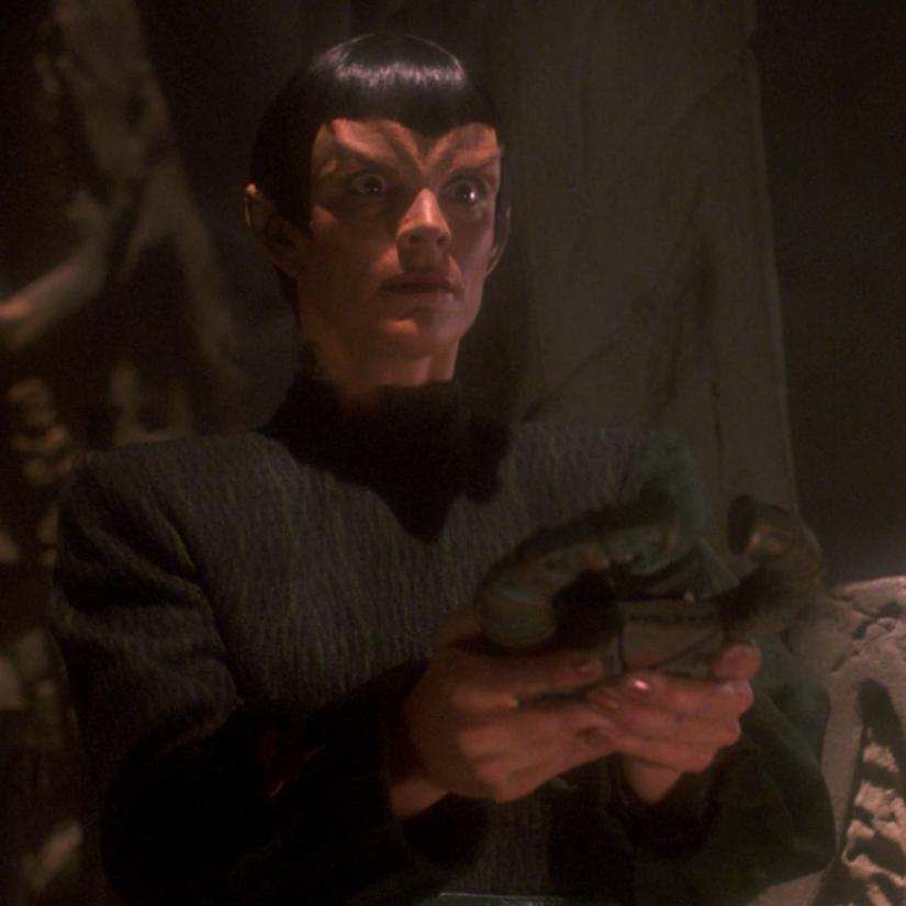 Star Trek TNG S7E05 Gambit II Tallera