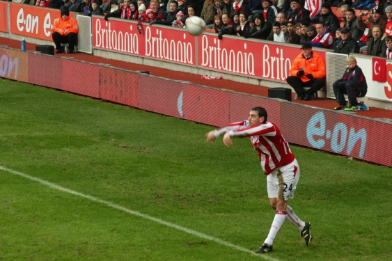 Stoke City FC V Arsenal 34 by Ronnie Macdonald 2010-01-24.jpg